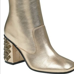 New Guess Gold Made Up Block Heel Studded bootie 9